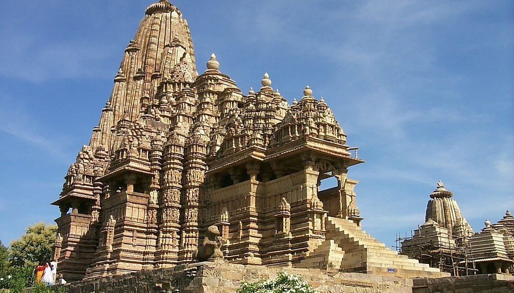 holizy.fr_Temple_at_Khajuraho
