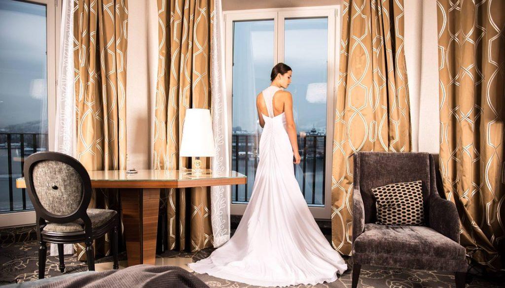bride-301813_960_720